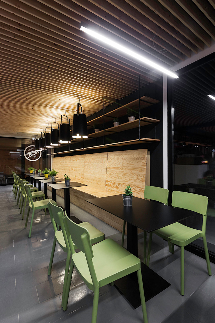 A SECA 14 Bares y clubs de estilo moderno de Obras y Reformas Poio Moderno
