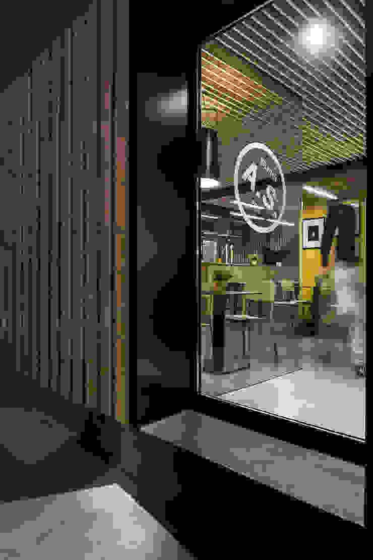 A SECA 8 Bares y clubs de estilo moderno de Obras y Reformas Poio Moderno
