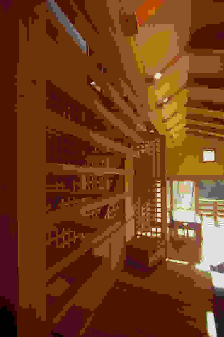 御嵩の家 北欧スタイルの 玄関&廊下&階段 の 風建築工房 北欧