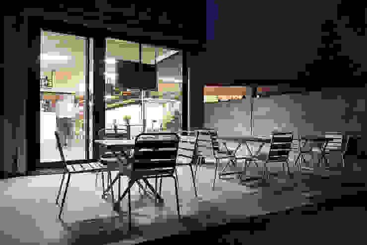 A SECA 15 Bares y clubs de estilo moderno de Obras y Reformas Poio Moderno