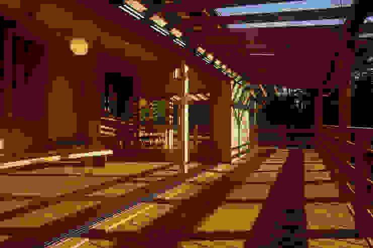 御嵩の家 北欧デザインの テラス の 風建築工房 北欧
