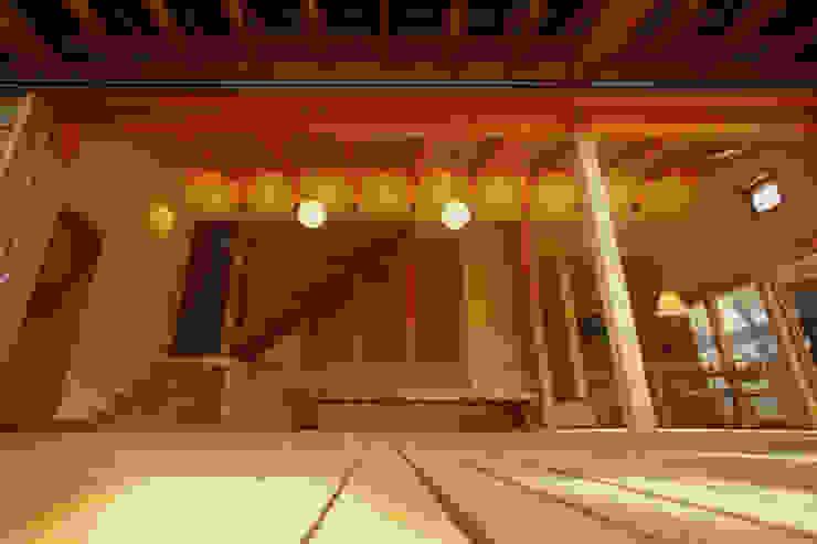 御嵩の家 北欧デザインの リビング の 風建築工房 北欧