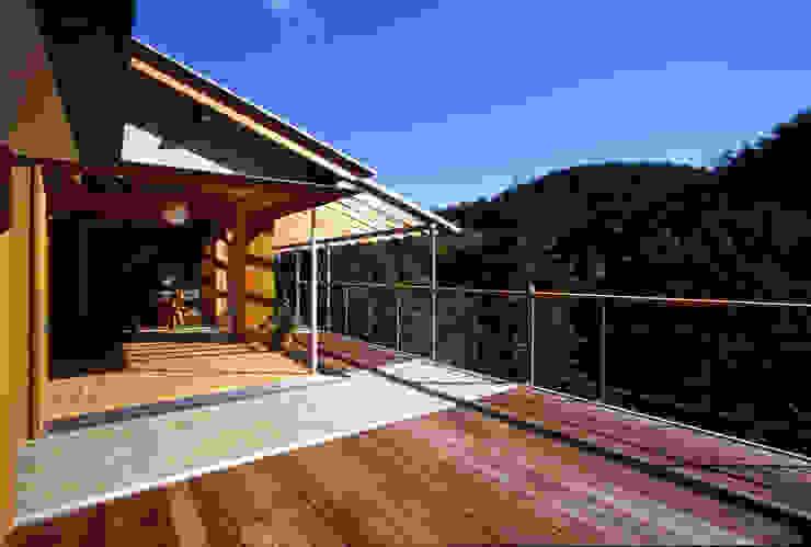 風建築工房 Balcones y terrazas de estilo moderno