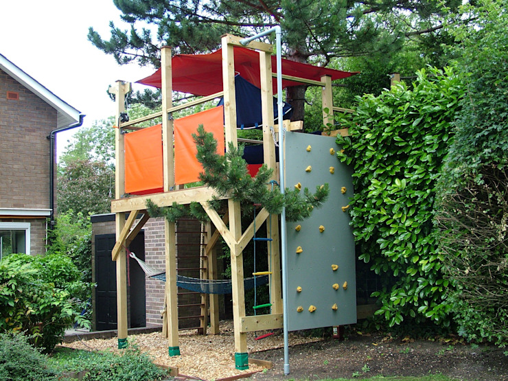 Tree house Modern garden by TreeSaurus Modern