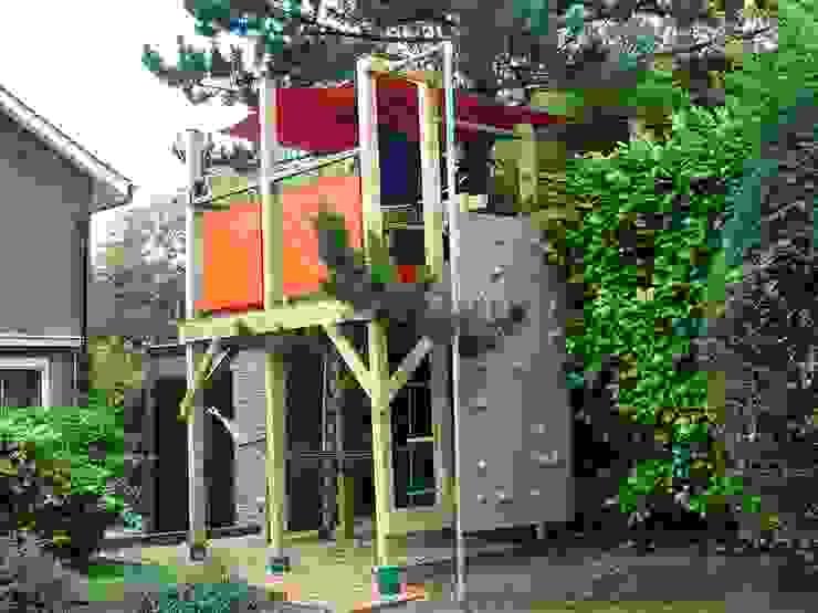Tree house Сад в стиле модерн от TreeSaurus Модерн