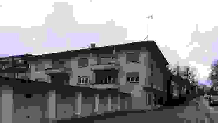 Fassade vor der Sanierung: modern  von André Born Architekt BSA,Modern