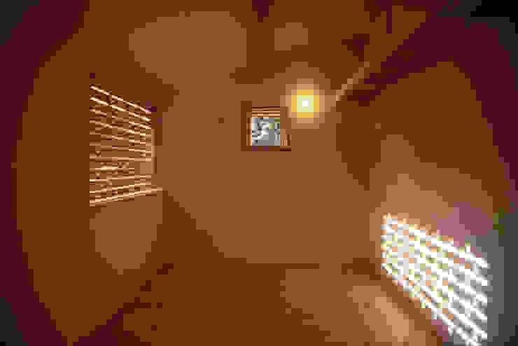 風建築工房 Modern nursery/kids room