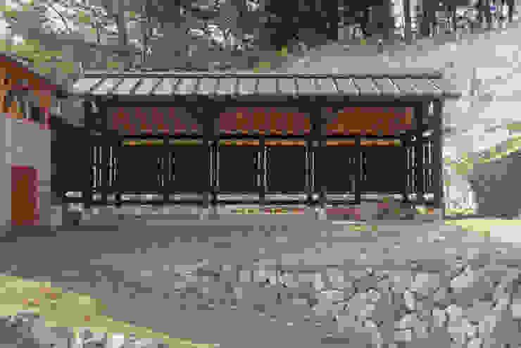 風建築工房 Modern garage/shed