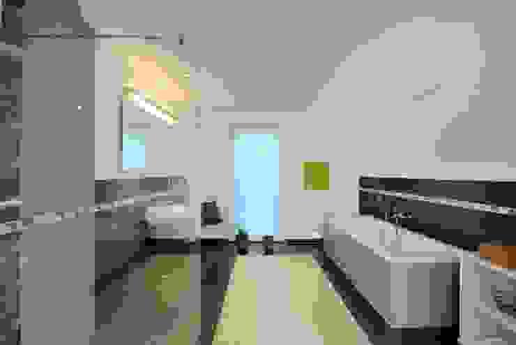 Baños de estilo clásico de Heinz von Heiden GmbH Massivhäuser Clásico