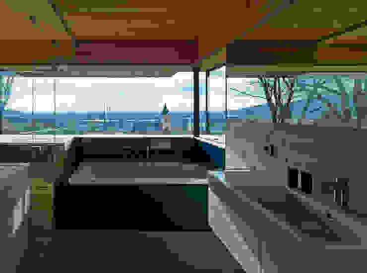 Nowoczesna łazienka od HAMMERER Architekten GmbH/SIA Nowoczesny