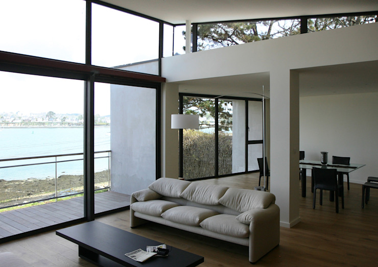 Salas de estar modernas por Atelier de l'Ile Moderno