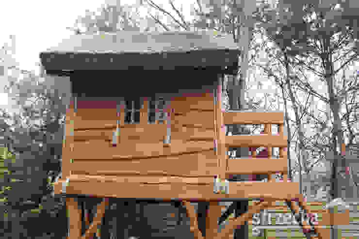 Domek na drzewie od STRZECHA NET Sp. z o.o.