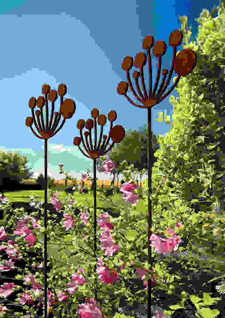 Cow Parsley Garden Sculptures Modern garden by Garden Art and Sculpture Modern Metal
