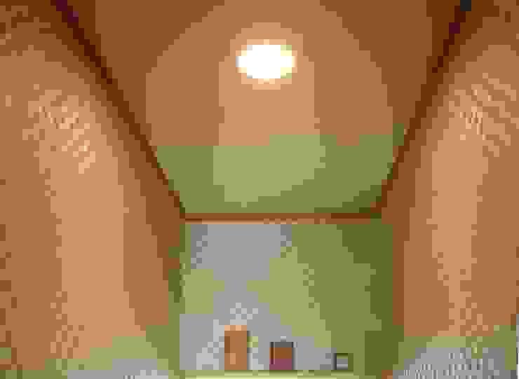 照明ON 中央 クラシックスタイルの お風呂・バスルーム の きど建築設計事務所(Kido Architectural Design Office) クラシック
