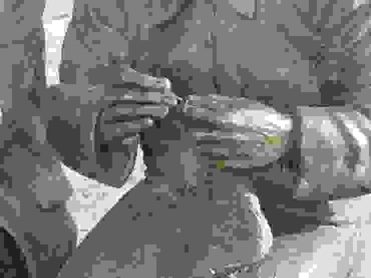 Pareja de ancianos. (Detalle) de Escultor. Angel Gil Clásico