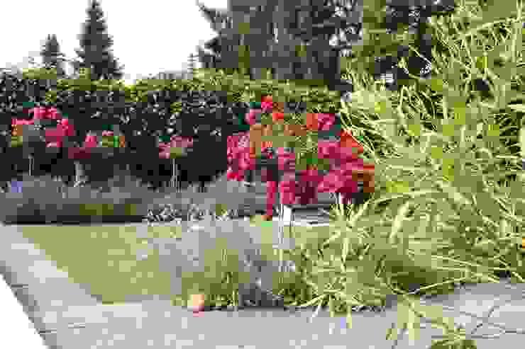 Bepflanzungen Garten im Landhausstil von Keller AG Landhaus