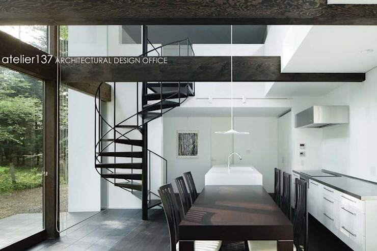 atelier137 ARCHITECTURAL DESIGN OFFICE Modern dining room Wood Black