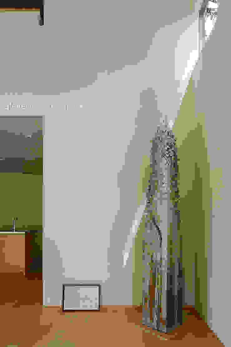 031軽井沢Tさんの家 ミニマルデザインの リビング の atelier137 ARCHITECTURAL DESIGN OFFICE ミニマル