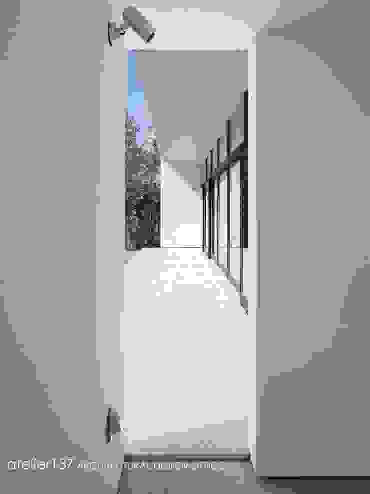 テラス~016小諸 I さんの家 モダンデザインの テラス の atelier137 ARCHITECTURAL DESIGN OFFICE モダン