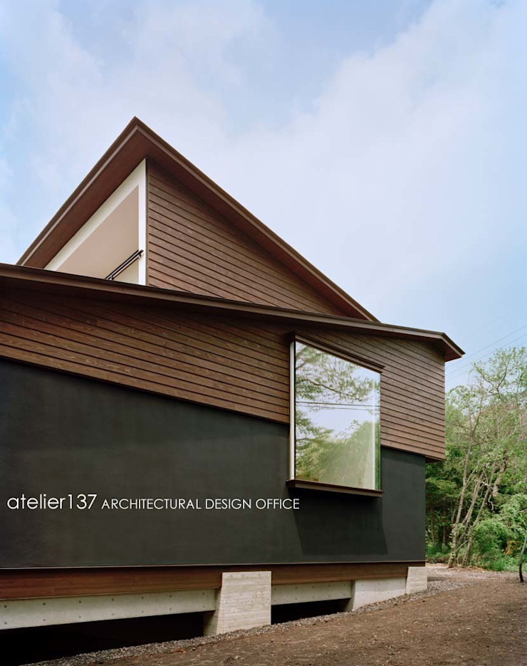 外観~015軽井沢Tさんの家 クラシカルな 家 の atelier137 ARCHITECTURAL DESIGN OFFICE クラシック 木 木目調