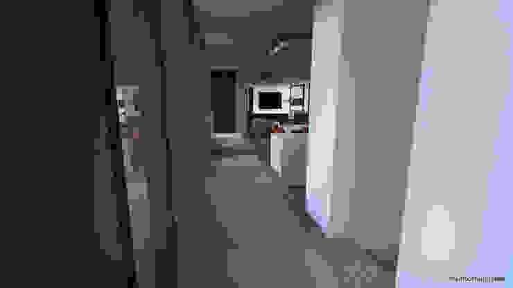 Pasillos, vestíbulos y escaleras de estilo moderno de ARRIVETZ & BELLE Moderno