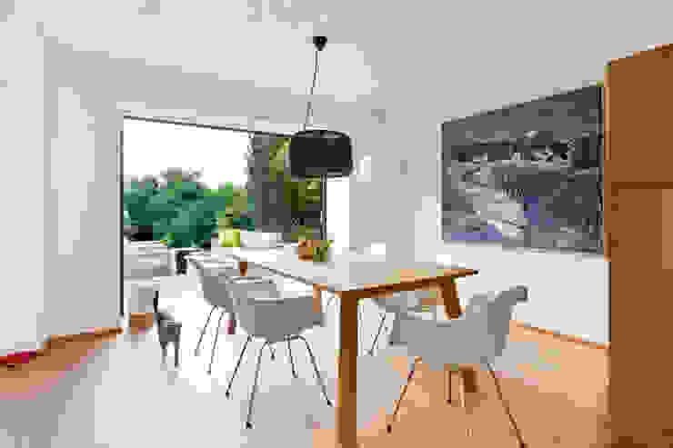 Comedores de estilo minimalista de Franz&Sue Minimalista