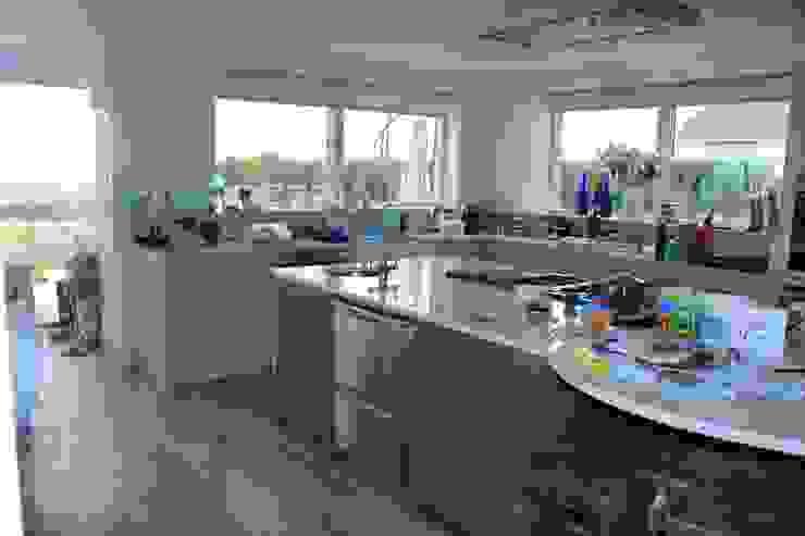 Kitchen Broad and Turner Modern kitchen