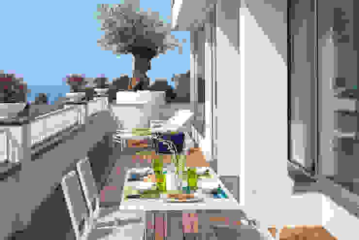 Balconies, verandas & terraces  by PDV studio di progettazione