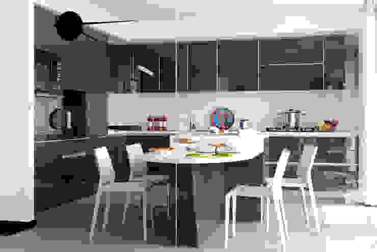 Cucina di PDV studio di progettazione Moderno