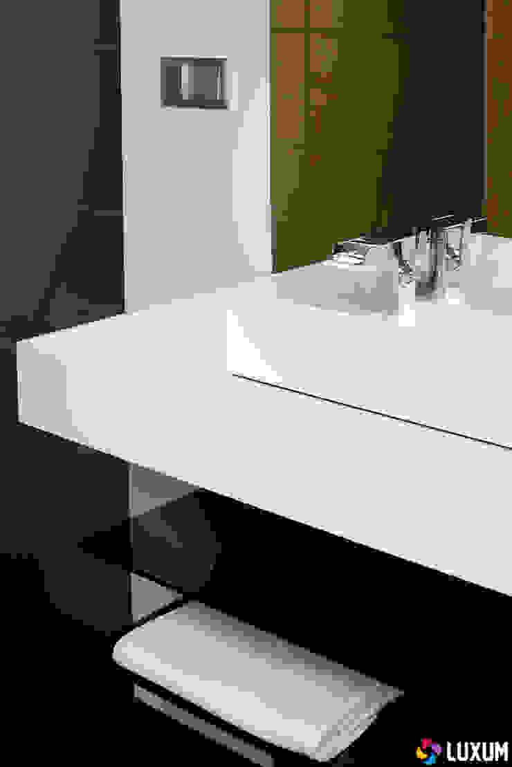 Minimalistyczna łazienka od LUXUM Minimalistyczna łazienka od Luxum Minimalistyczny