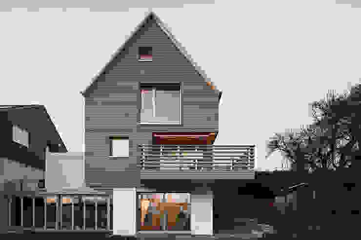 Nowoczesne domy od Schwarz & Schwarz dipl. Architekten SIA Nowoczesny