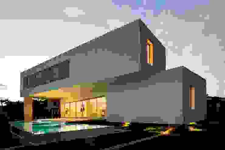 Сад в средиземноморском стиле от Ascoz Arquitectura Средиземноморский
