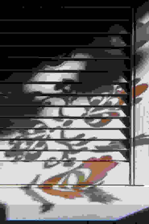 Жалюзи Веранда и терраса в стиле кантри от Дизайн-студия Екатерины Поповой Кантри