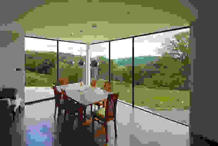 Valley Springs Hall + Bednarczyk Architects Modern kitchen