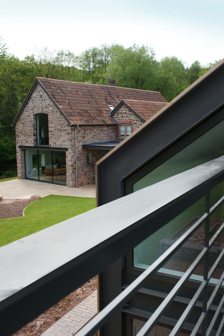 Veddw Farm, Monmouthshire Modern terrace by Hall + Bednarczyk Architects Modern