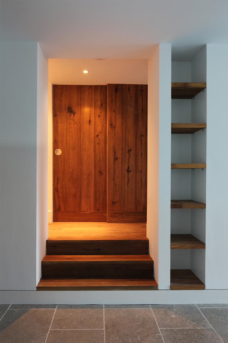 Veddw Farm, Monmouthshire Modern Corridor, Hallway and Staircase by Hall + Bednarczyk Architects Modern