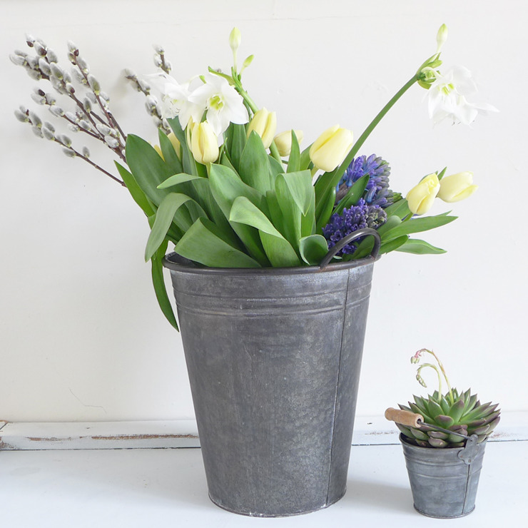 Zinc Metal Florist Bucket Vase de Lilac Coast Rural