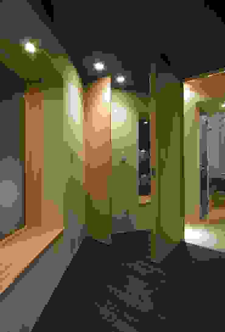 井の頭の家 モダンスタイルの寝室 の TAMAI ATELIER モダン