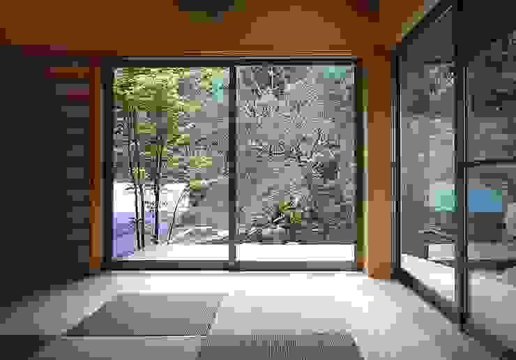 下田の家 TAMAI ATELIER クラシカルスタイルの 寝室