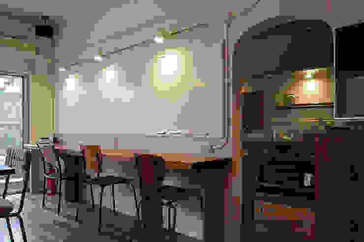 マノア狛江 ラウンジ2 モダンデザインの 多目的室 の 腰越耕太建築設計事務所 モダン