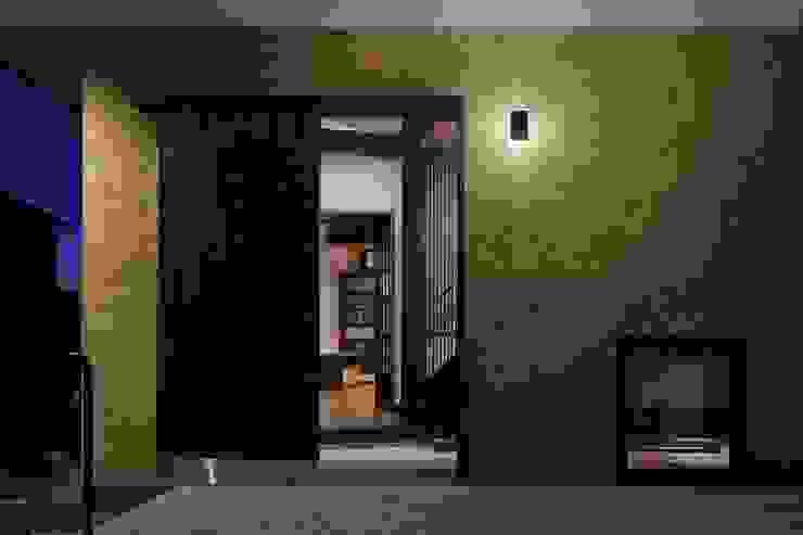 八潮の家: TAMAI ATELIERが手掛けた窓です。,クラシック