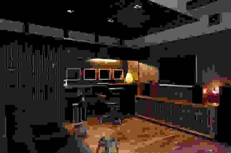 横浜の家 モダンデザインの 書斎 の TAMAI ATELIER モダン
