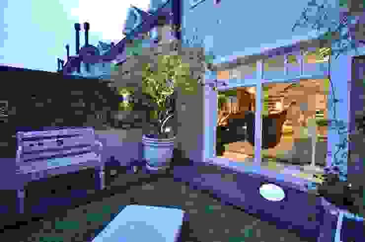Jardin moderne par Tania Bertolucci de Souza | Arquitetos Associados Moderne