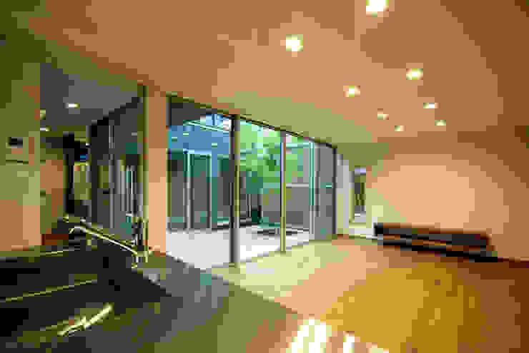 Moderne Wohnzimmer von アトリエ イデ 一級建築士事務所 Modern