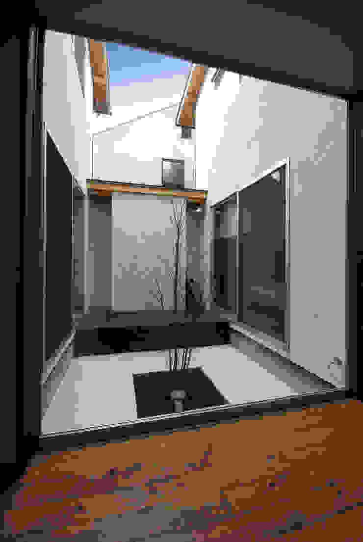 輝国の家 モダンな庭 の アトリエ イデ 一級建築士事務所 モダン