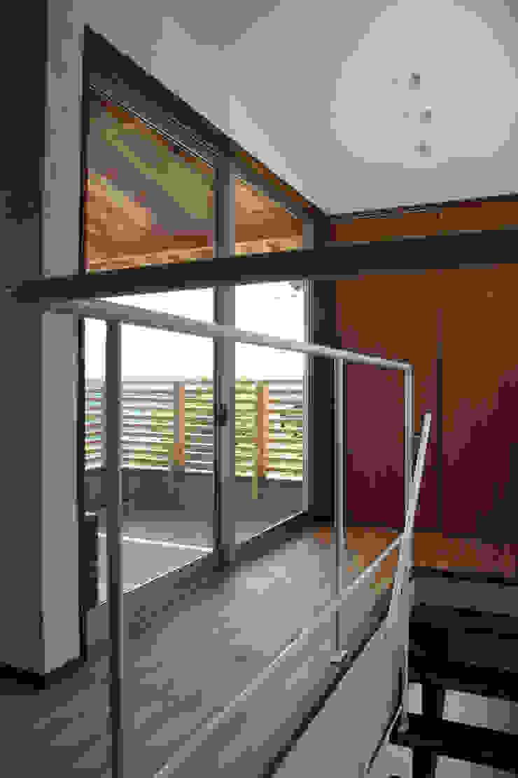 輝国の家 モダンスタイルの 玄関&廊下&階段 の アトリエ イデ 一級建築士事務所 モダン