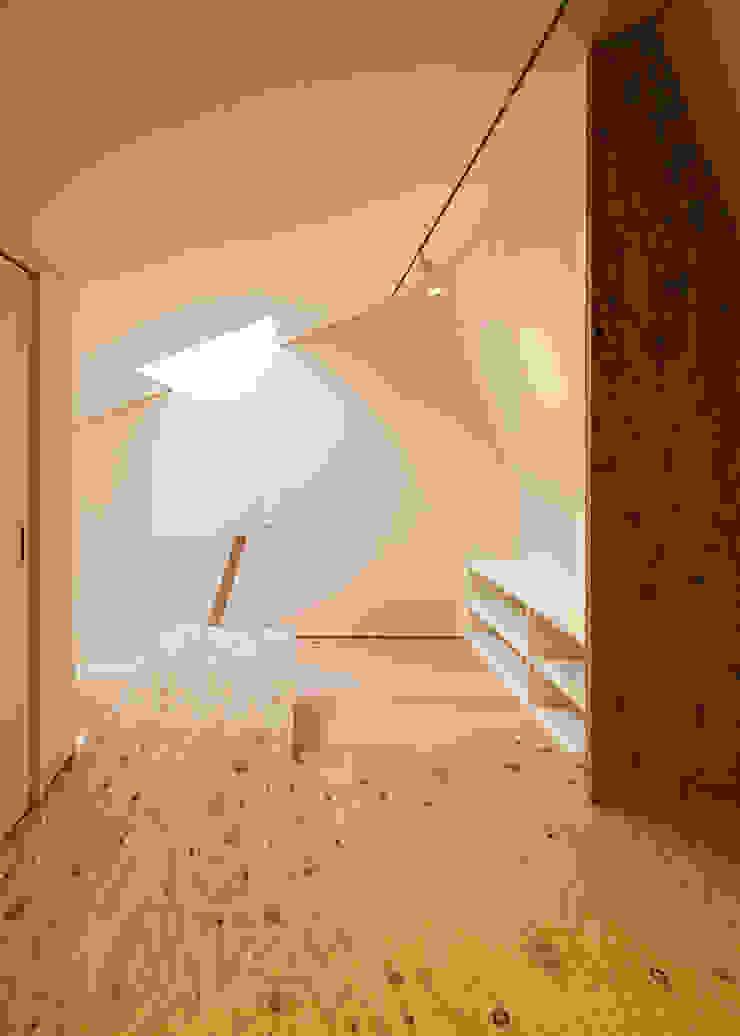 ロフト(寝室) 河合建築デザイン事務所 オリジナルデザインの 多目的室