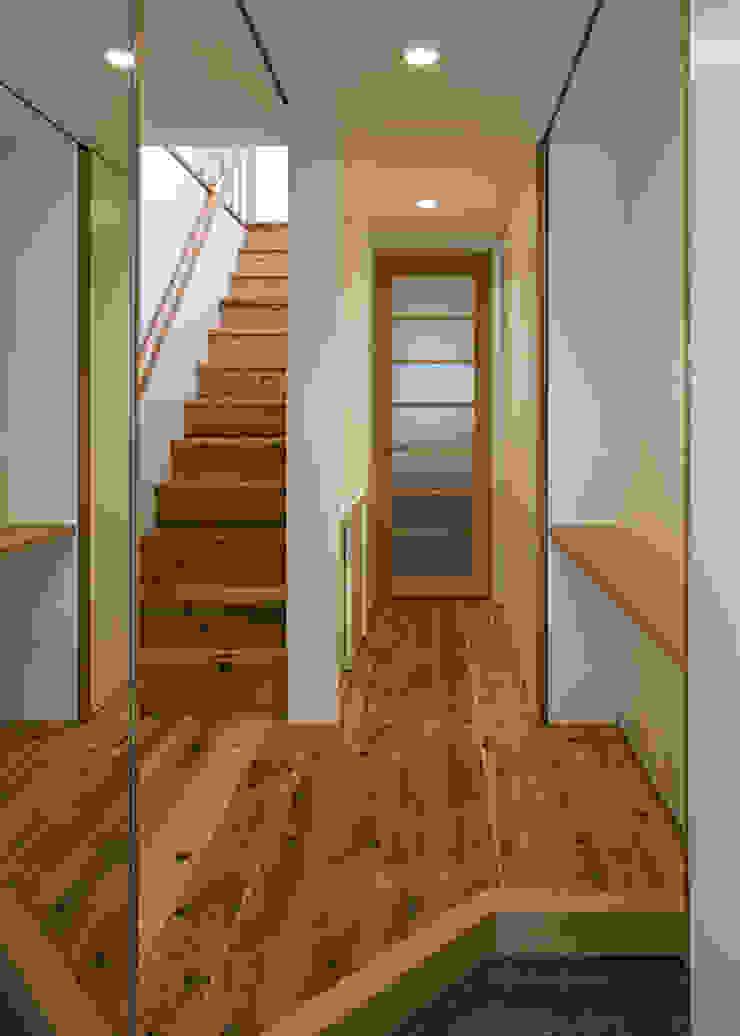 玄関 オリジナルスタイルの 玄関&廊下&階段 の 河合建築デザイン事務所 オリジナル