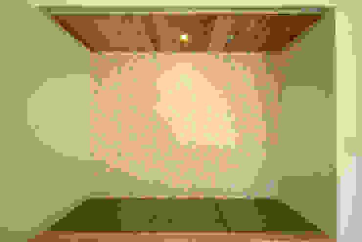 内膳町の家: アトリエ イデ 一級建築士事務所が手掛けたクラシックです。,クラシック