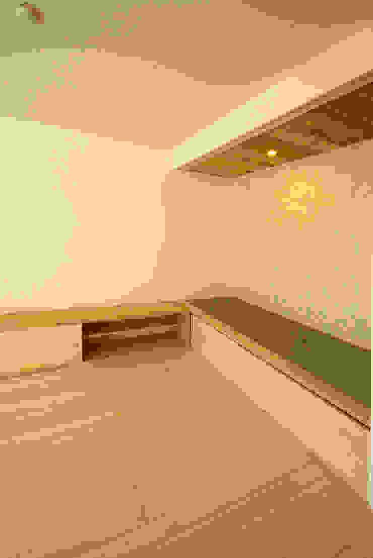 内膳町の家 クラシックデザインの リビング の アトリエ イデ 一級建築士事務所 クラシック
